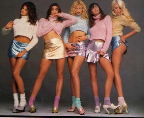 Autumn-Winter-94-95-Versace-ShopCurious